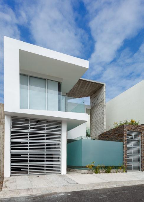 Casa Aedes Taller ADC Architecture Office Casas de estilo ecléctico