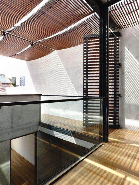 HYLA Architects 모던스타일 발코니, 베란다 & 테라스