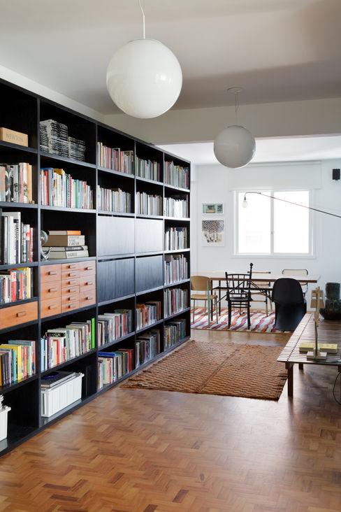 Residência Lorena Mauricio Arruda Design Salas de estar ecléticas
