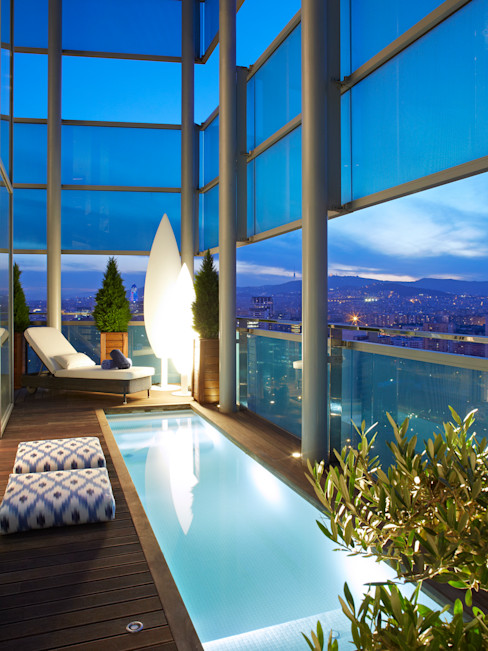 El mar en casa Molins Design Piscinas de estilo mediterráneo