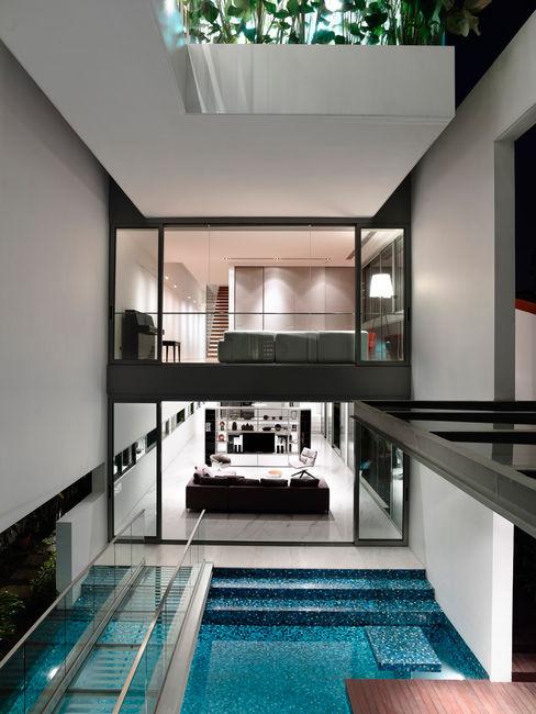 HYLA Architects Modern windows & doors