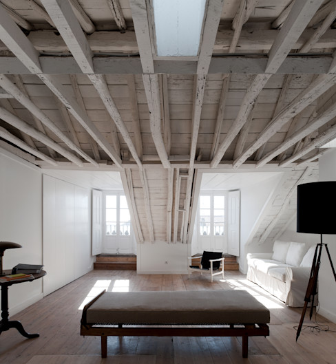 José Adrião Arquitectos Classic style bedroom