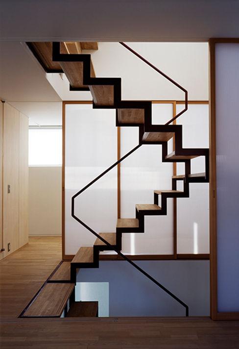 House in Fujikubo 吉田豊建築設計事務所 YUTAKA YOSHIDA ARCHITECT & ASSOCIATES Moderner Flur, Diele & Treppenhaus