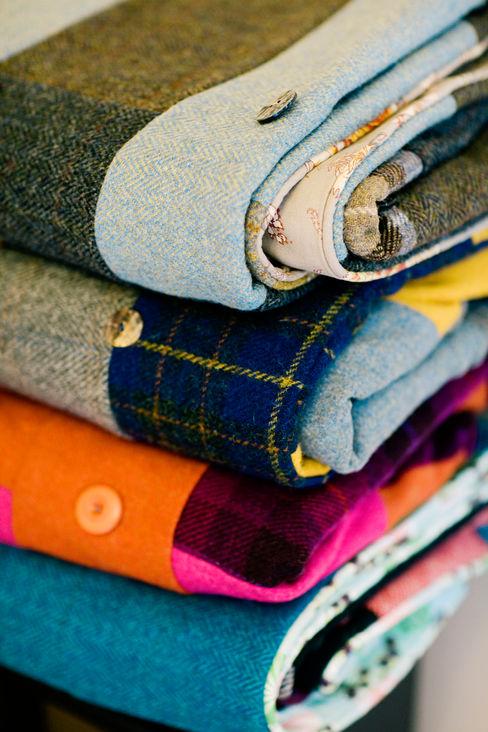 A stack of Finest Harris Tweed quilts Quilts by Lisa Watson Yatak OdasıTekstil Ürünleri