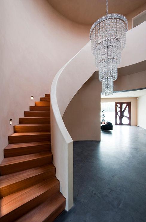 Villa Dalí 123DV Moderne Villa's Moderne gangen, hallen & trappenhuizen