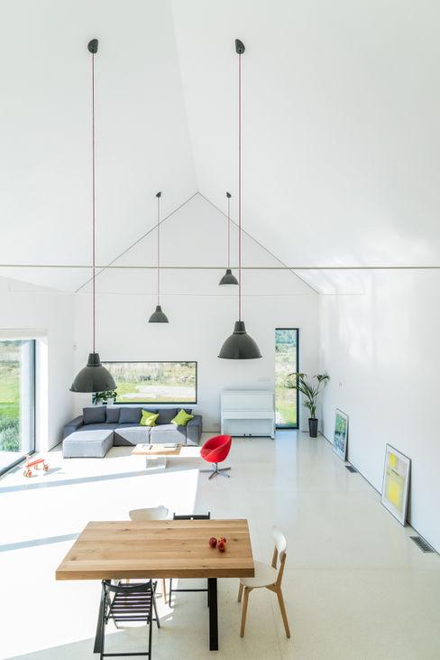 KROPKA STUDIO'S PROJECT Kropka Studio 现代客厅設計點子、靈感 & 圖片