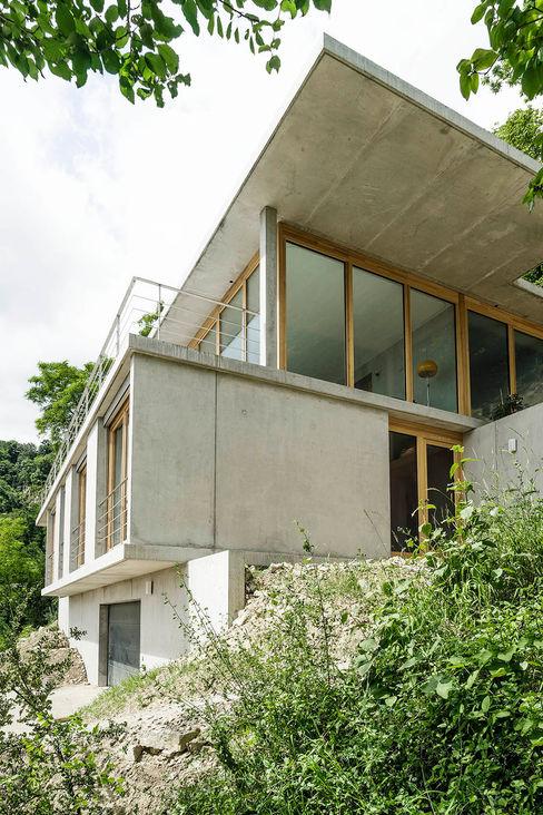 GIAN SALIS ARCHITEKT Nowoczesne domy