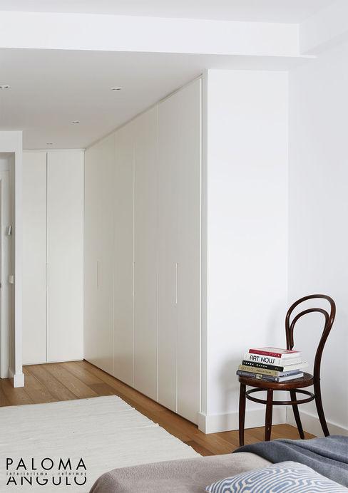 Vestidor Interiorismo Paloma Angulo Vestidores de estilo minimalista
