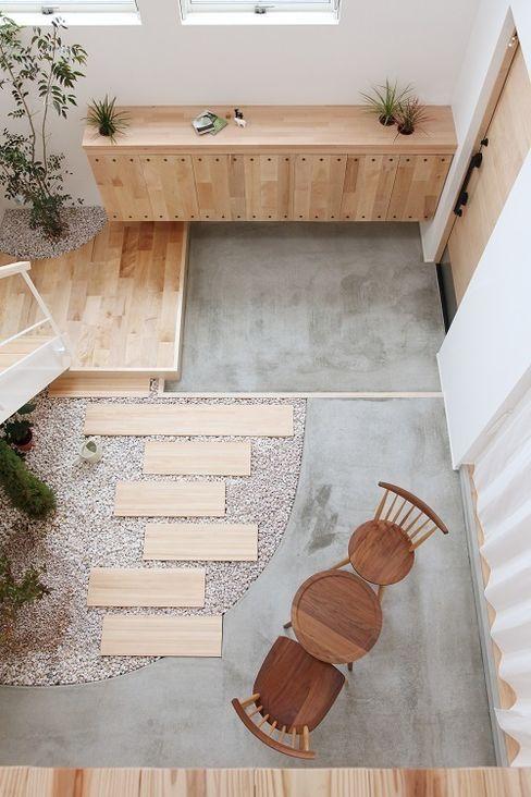 ALTS DESIGN OFFICE Couloir, entrée, escaliers originaux