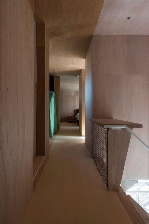 カマクラのイエ 白子秀隆建築設計事務所 和風の 玄関&廊下&階段