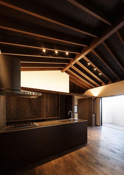 野間の家 傳寶慶子建築研究所 オリジナルデザインの キッチン
