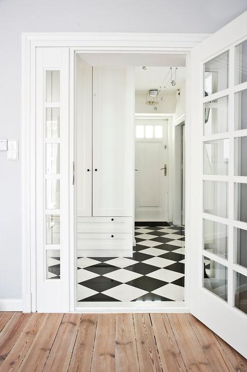 Dom jak z bajki. Miśkiewicz Design Skandynawski korytarz, przedpokój i schody