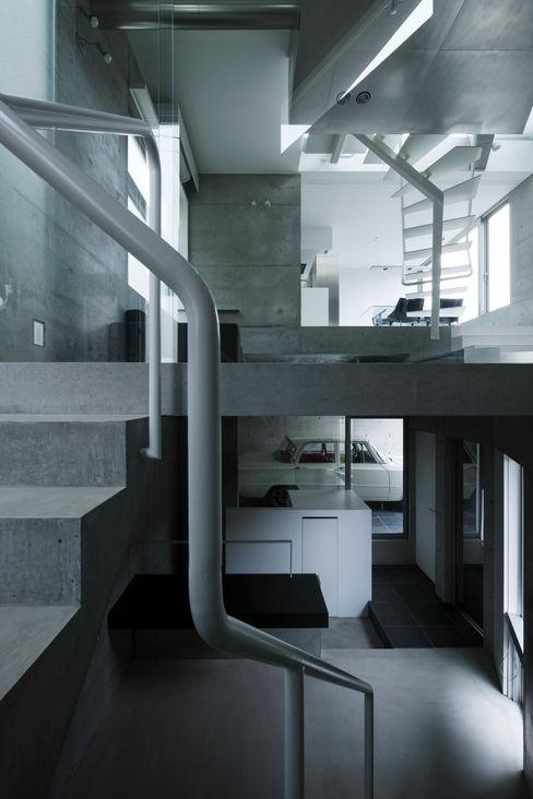 筒井紀博空間工房/KIHAKU tsutsui TOPOS studio Eclectic style garage/shed