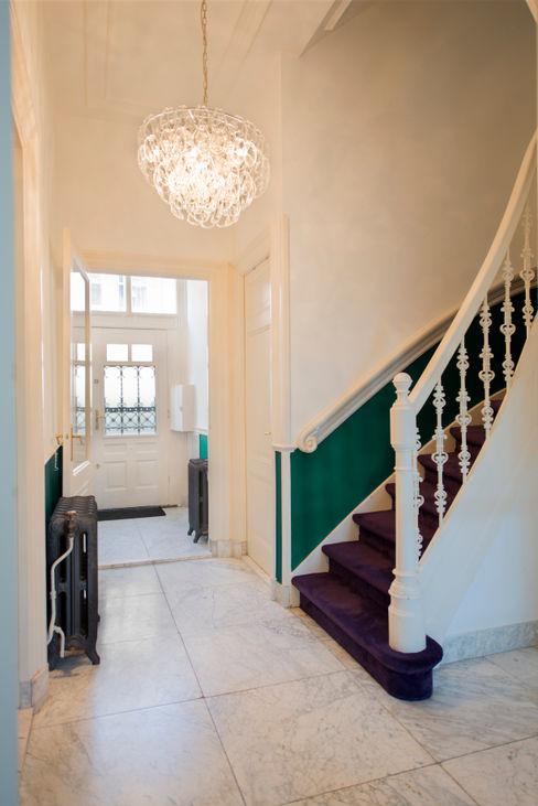 Stadsvilla Den Haag IJzersterk interieurontwerp Eclectische gangen, hallen & trappenhuizen