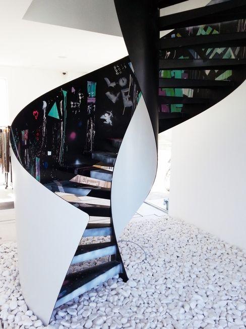 Konu Merdiven Vestíbulos, pasillos y escalerasEscaleras