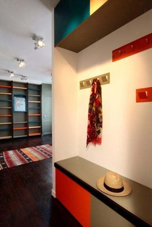 Entrée Agence Sophie Auscher Couloir, entrée, escaliers modernes