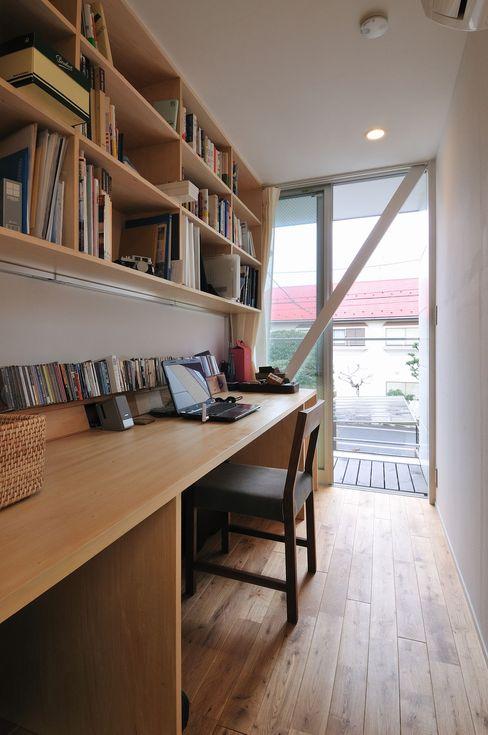 logi-c 岡村泰之建築設計事務所 モダンデザインの 書斎