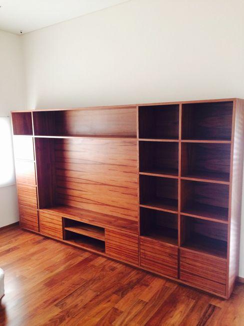 Mueble Librero Farré Muebles Estudios y oficinas estilo mediterráneo