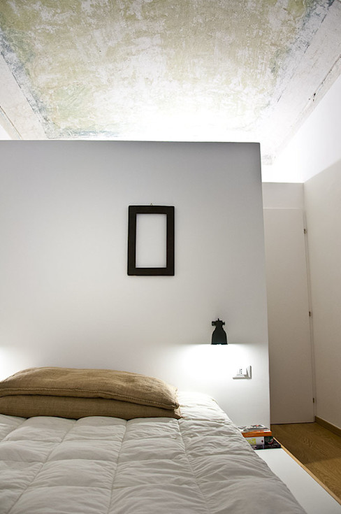 R3ARCHITETTI Minimalist bedroom
