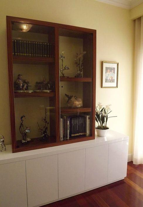 Móvel/vitrine Traço Magenta - Design de Interiores Salas multimédia clássicas