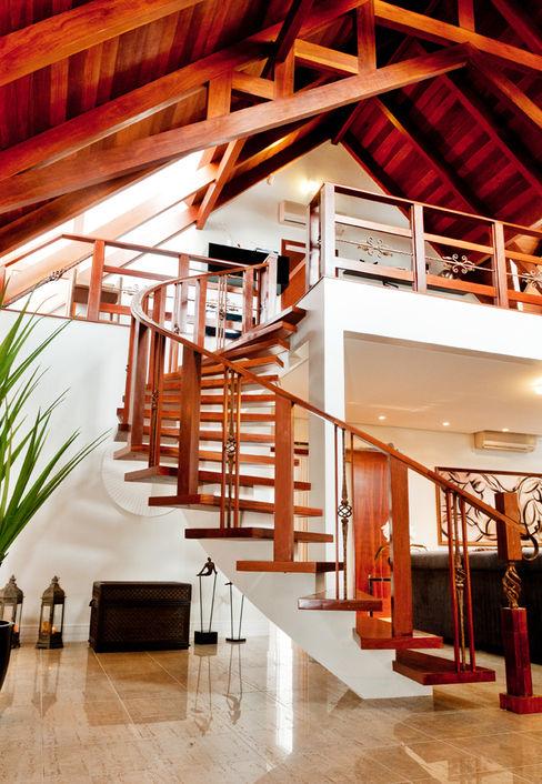ArchDesign STUDIO Rustic style corridor, hallway & stairs