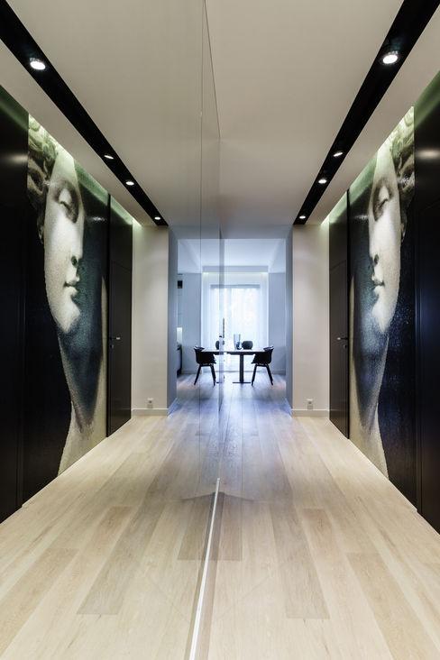Anna Maria Sokołowska Architektura Wnętrz Pasillos, vestíbulos y escaleras minimalistas