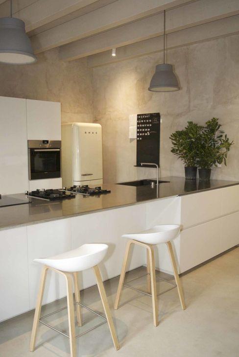 studio di architettura DISEGNO Modern Kitchen