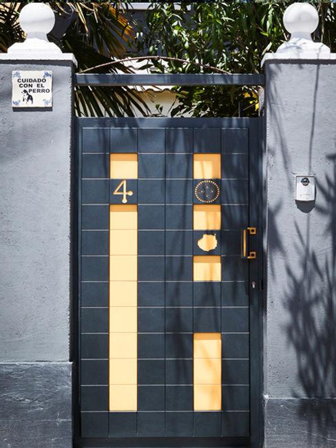 Puerta Peatonal personalizada Pixéling® Puerta Bonita Puertas y ventanasPuertas