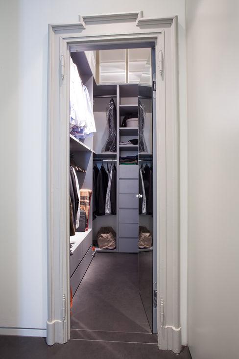 bdastudio Minimalist dressing room