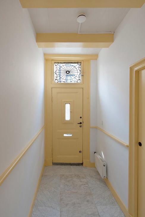 ingang no 17 Architectenbureau Vroom Klassieke gangen, hallen & trappenhuizen