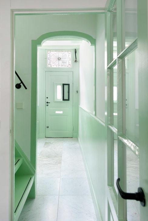 de ingang van no 15 Architectenbureau Vroom Klassieke gangen, hallen & trappenhuizen