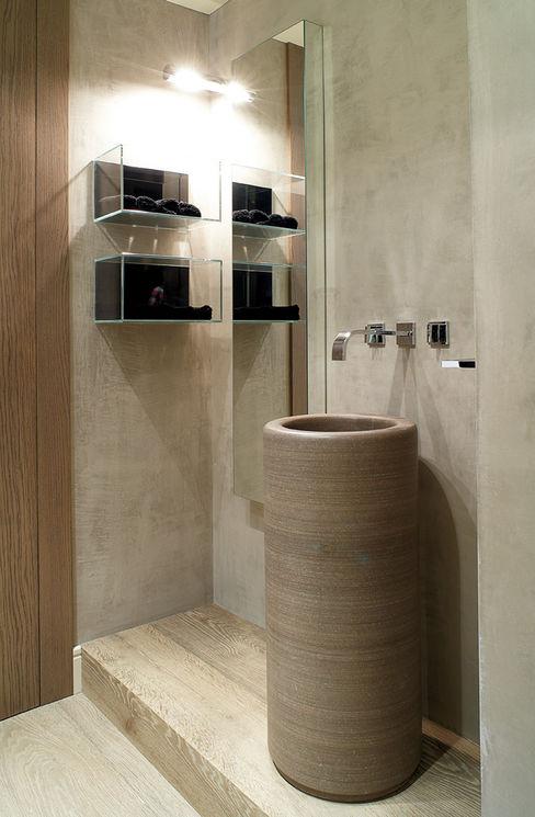 adela cabré Mediterranean style bathroom