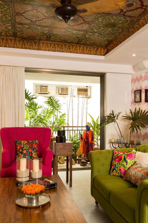 Eclectic Apartment The Orange Lane Aziatische woonkamers