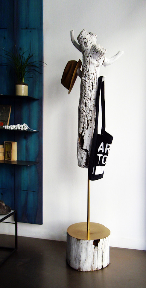Mighali_Faggiano studio Corridor, hallway & stairs Clothes hooks & stands