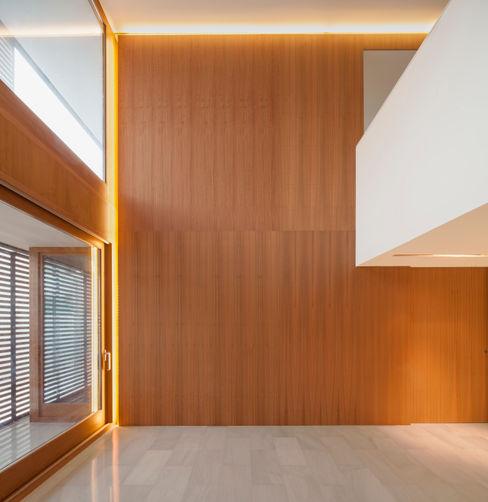 Casa CP Alventosa Morell Arquitectes Paredes y suelos de estilo minimalista