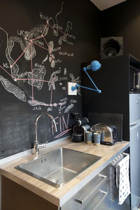 Atelier Grey Modern style kitchen