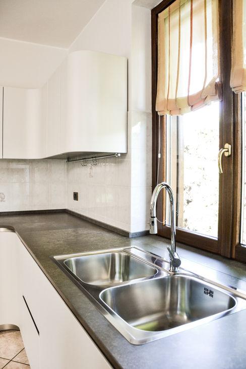 Ola20 Architetti di Casa CucinaLavandini & Rubinetti