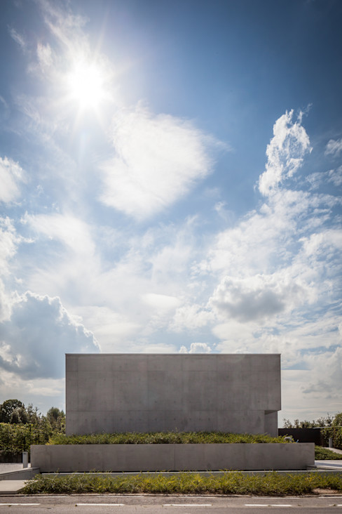 pluspunt architectuur Casas de estilo minimalista