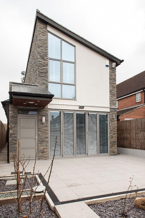 New Build House, London Nic Antony Architects Ltd Country style house