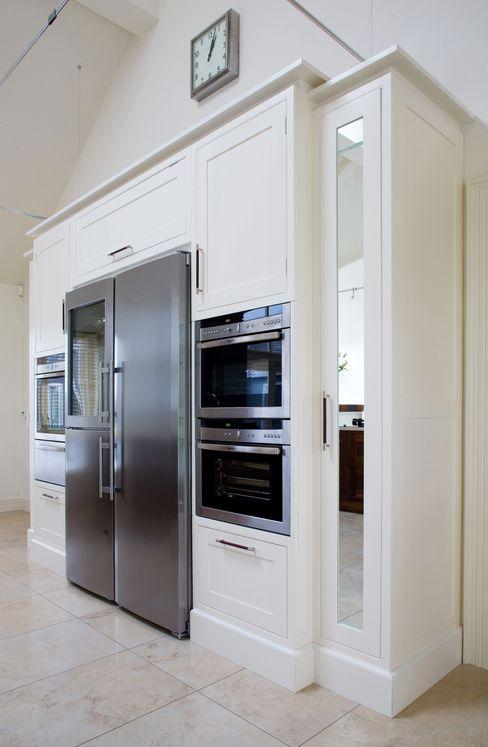 Banbridge Kitchen Designer Kitchen by Morgan Eklektyczna kuchnia