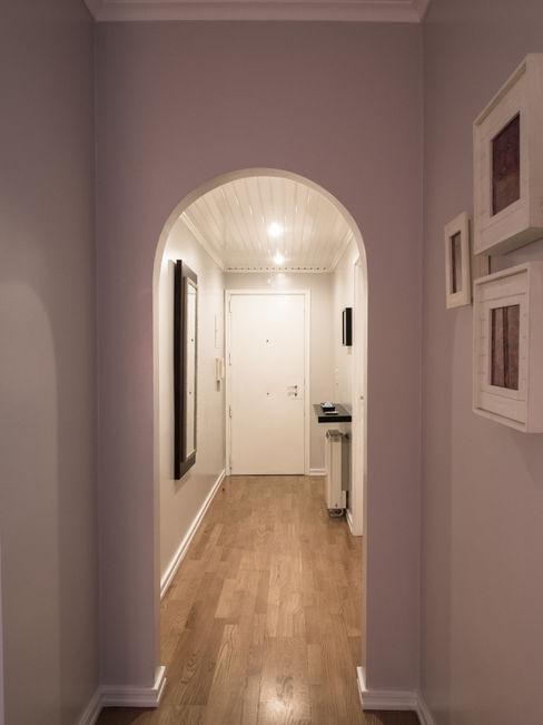 MUDA Home Design Modern Corridor, Hallway and Staircase