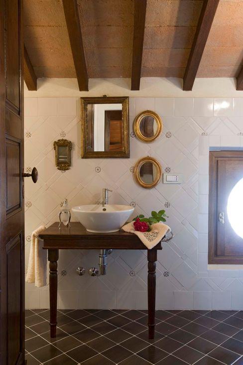 SULLE COLLINE REGGIANE ADS Studio di Architettura Bagno in stile classico