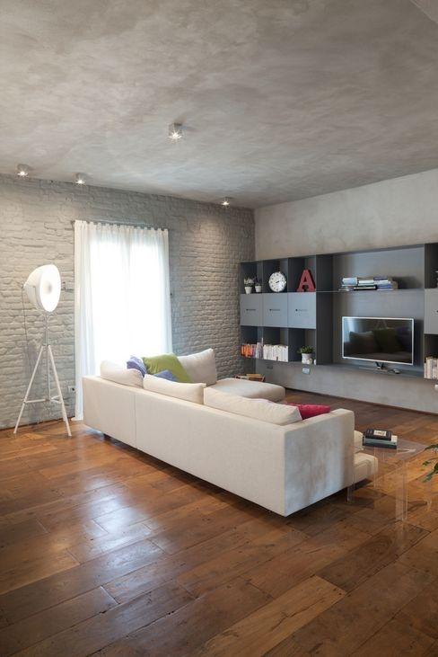 Brizzi+Riefenstahl Studio Industriale Wohnzimmer