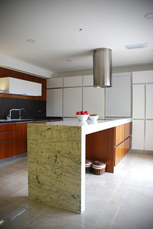 GOA / gulnar ocakdan archıtecture Modern kitchen