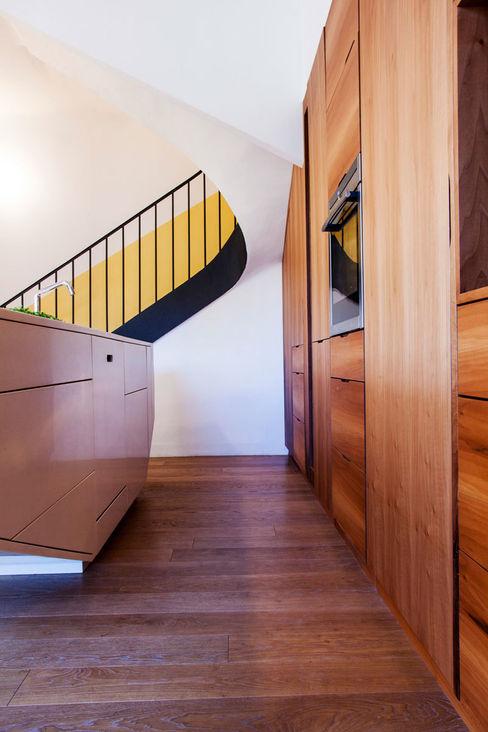 Un espace fonctionnel, lumineux et élégant. Charlotte Raynaud Studio Cuisine moderne
