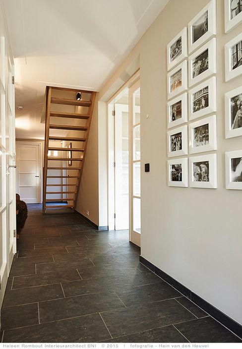 transformatie naar een ingetogen luxe villa te Heiloo Heleen Rombout interieurarchitect BNI Moderne gangen, hallen & trappenhuizen