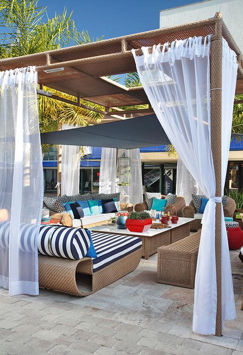 Cadore Arquitetura Tropikal Balkon, Veranda & Teras