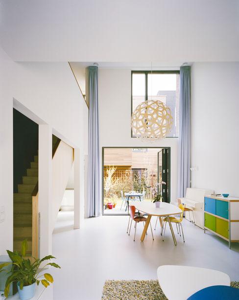 Living room Finbarr McComb Architect Modern Living Room