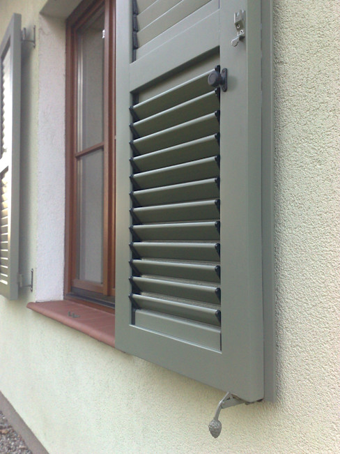 homify Windows & doors Blinds & shutters Wood