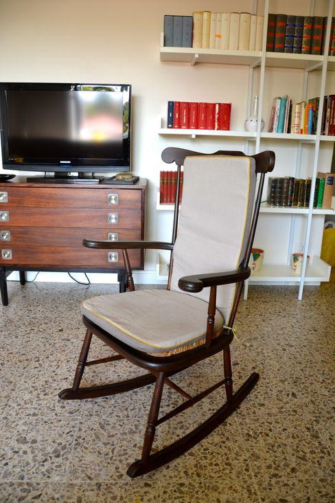Restyling soggiorno Restyling Mobili di Raddi Federica Soggiorno moderno